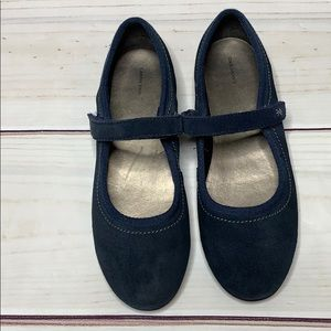 Lands End • blue suede Mary Jane size 5